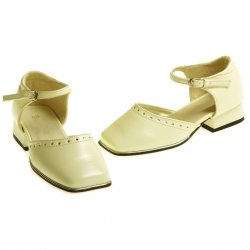 E002 Girls plain cream ivory shoes with diamonate decoration