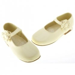Girls patent ivory cream ivory shoes with flower decoration
