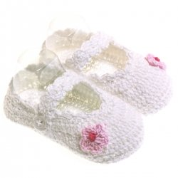 Cotton Crochet bootees in white with pink flowers