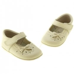 Hand Made Baby Girls Ivory Pram Shoes With Bow And Flowers