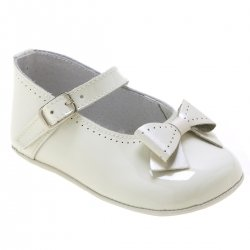 Baby Girls Ivory Patent Shoes Decorated By Bows