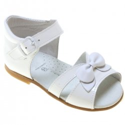 Girls White Sandles In Patent Leather