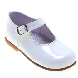 Classic Mary Jane White Patent Shoes For a Toddle Girl