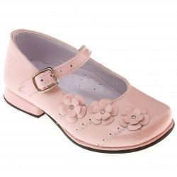 SALE Very Pretty Girls Pink Patent Mary Jane Shoes With 3 Rosebuds