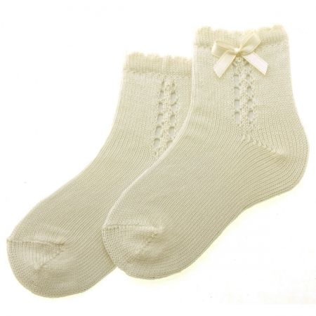 Special Occasion Ivory Socks Scallop Pattern With Bow
