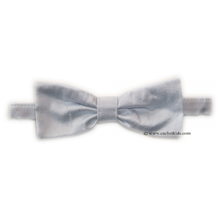 Boys silk bow tie in baby blue