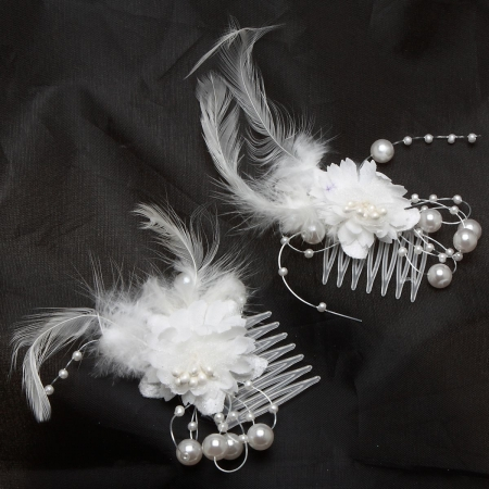 White Flowers With Feather Hair Combs