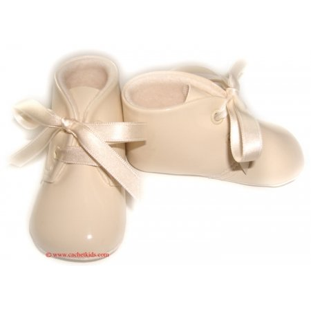 Cuquito shoes style 50728 Baby boy patent shoes in cream