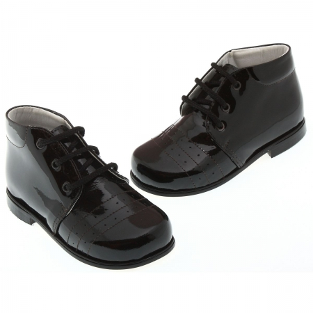 Boys black patent shoes in leather