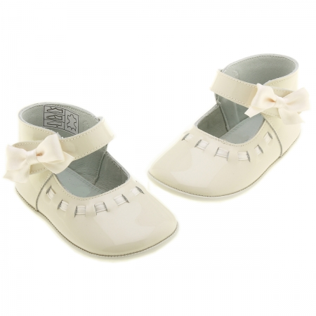 Baby Girls Ivory Patent Leather Shoes With Bow
